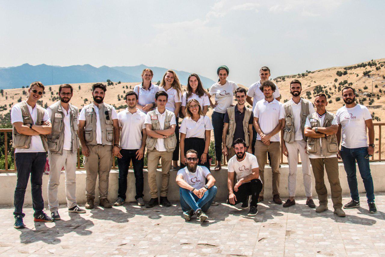 Photo de groupe de volontaires SOS Chrétiens d'Orient